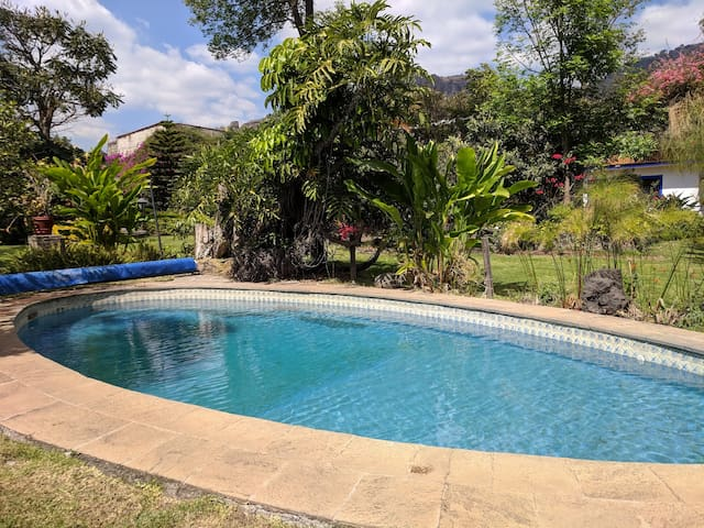 Colonial Vila With Pool in the Center of Town