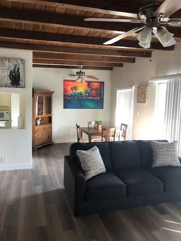 Trendy Mar Vista Apartment