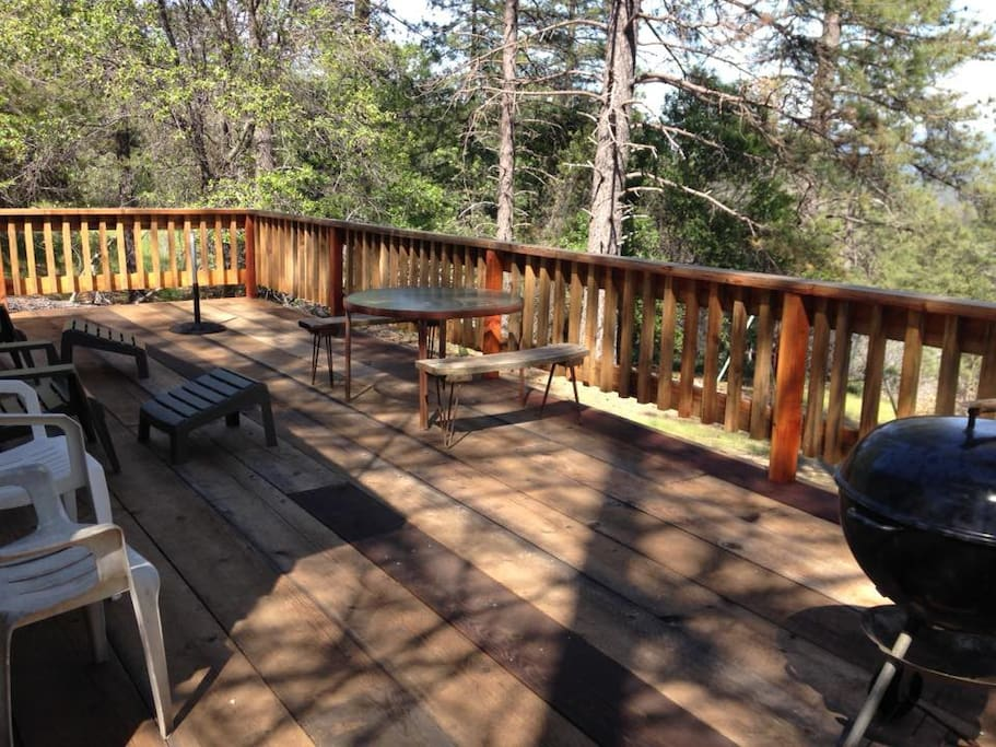 Deck with sierra views...