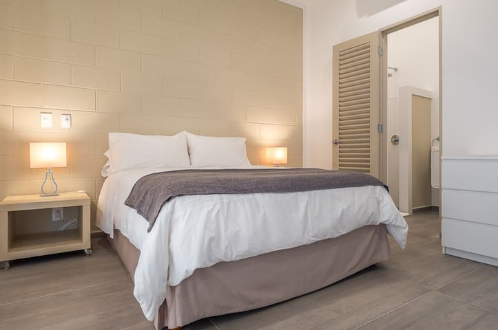 Standard Queen Suite @ The Vibe Boutique Bed & Breakfast