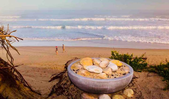 Myoli's View Beach House Pet & Child Friendly!