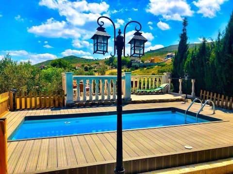 Stunning Chalet Villa -  Valencia & Beach 35m