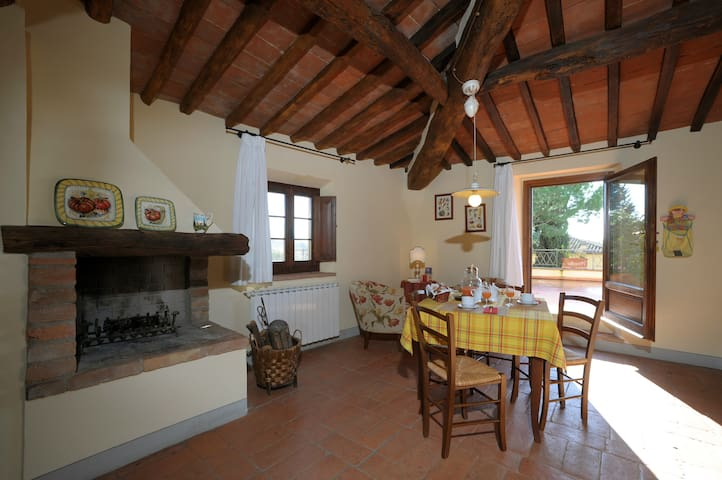 This is the Tuscany you are looking for..... - Certaldo - Apartemen