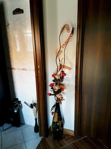 GRAZIOSO APPARTAMENTO IN CENTRO A SUNO - Suno - Lägenhet