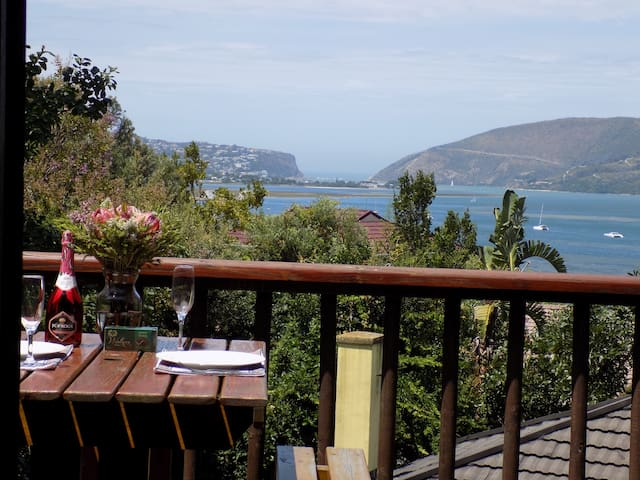 Private Apartment Loerie - Protea Guest House
