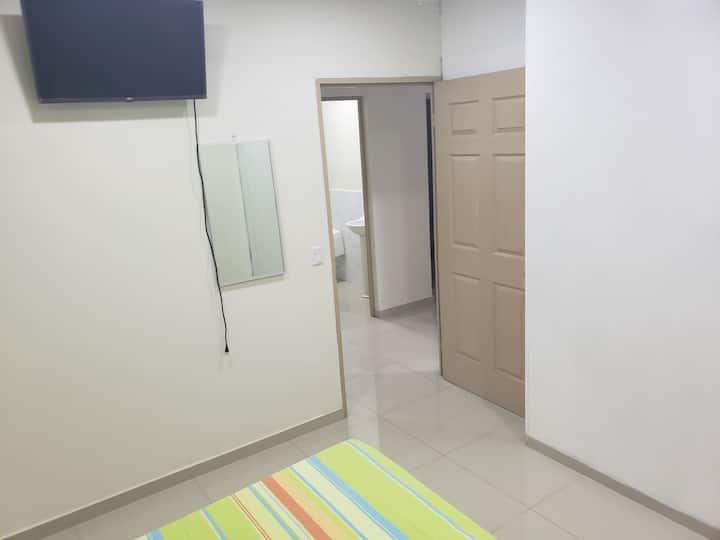 PROIMN, Habitación (2), Hostal La Chulona