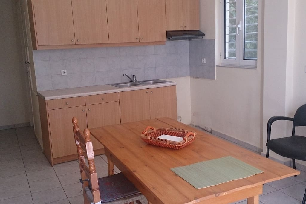 Κουζίνα με τραπεζαρία