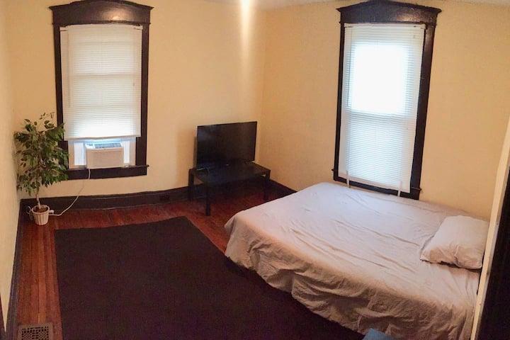 Cozy room near Downtown #2