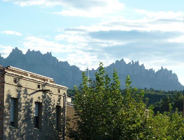 Cozy & quiet apt. near Montserrat - Sant Vicenç de Castellet - アパート