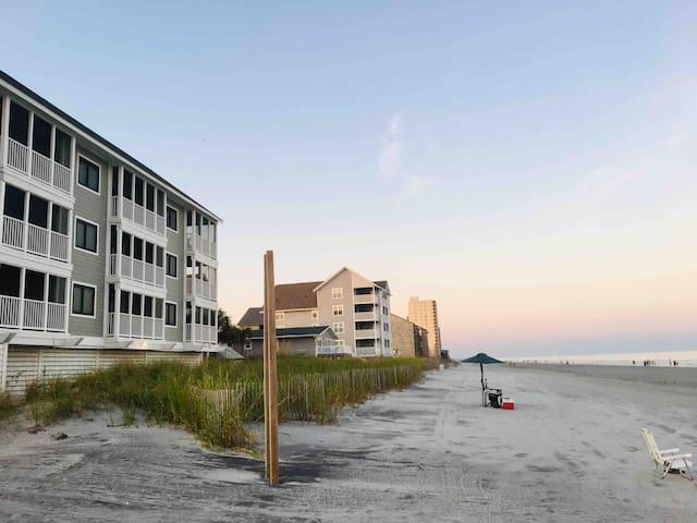 An Adorable Oceanfront Getaway