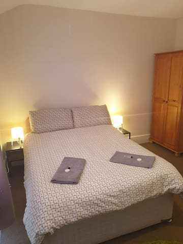 Carlisle Central, ideal location. Private room....