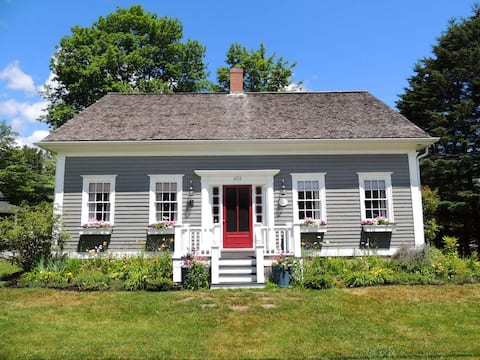 New Listing - Beautiful Mahone Bay Heritage Home