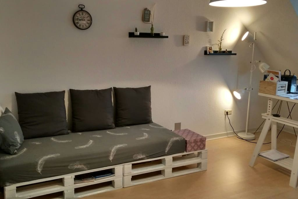 sleeping sofa. single bed matrese with 80x200  cm. very comfortable
