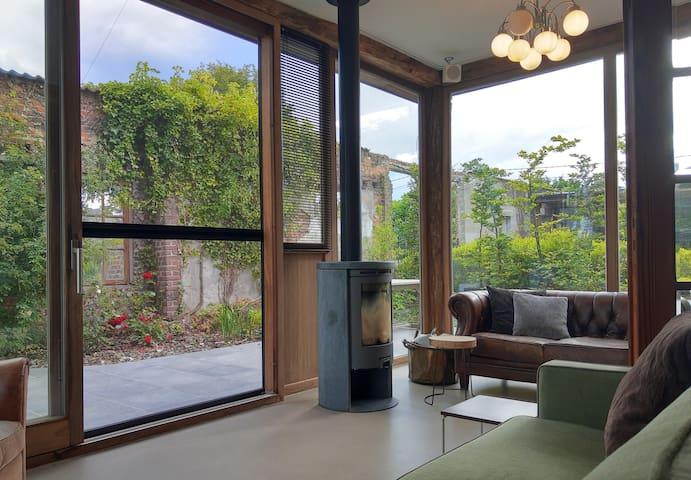 veranda/ 3de slaapkamer met zetelbed