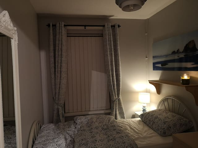 HOMAGH accommodation (single bed)
