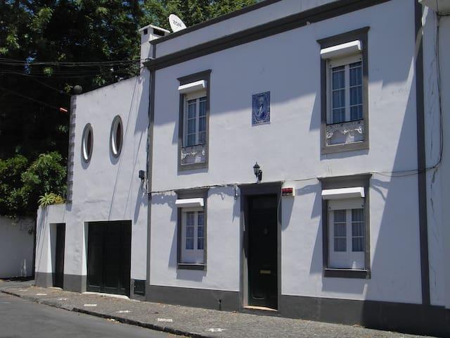 MAISON DE CHARME - Ponta Delgada - House