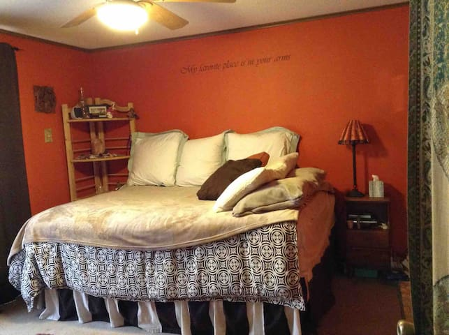 Bedroom 3 - Queen size bed with Tempurpedic topper and a private bath.