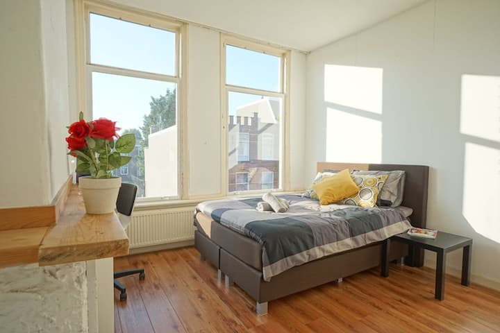 A bright room close to the center of The Hague!