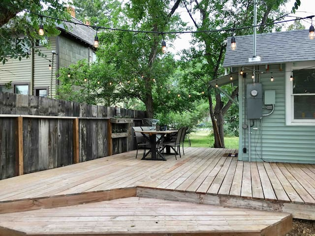 Cozy Craftsman(entire home)- With deck and grill