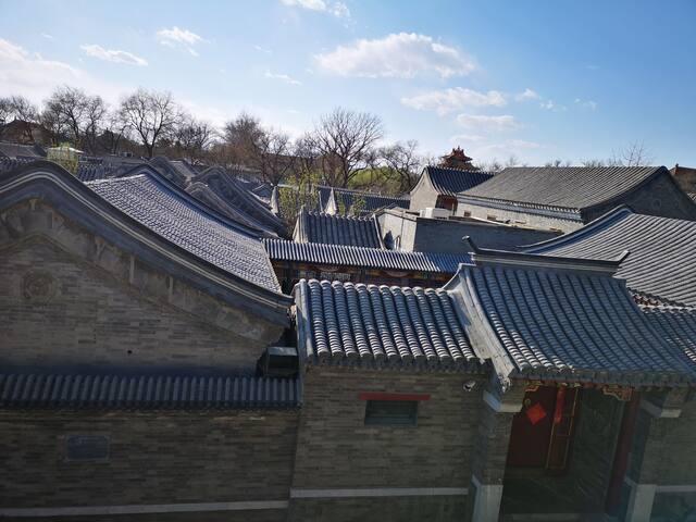 紧邻故宫、天安门、王府井、前门、普度寺…感受老北京胡同四合院,100平米房子如同家一般的舒适、方便!