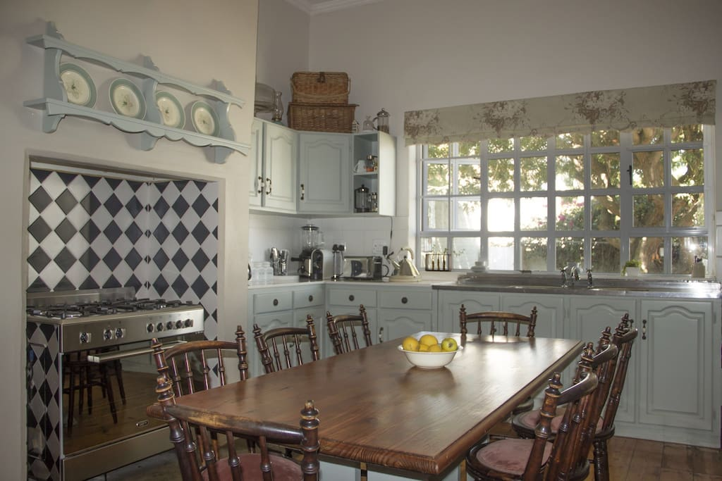 Fully equipped farm style kitchen