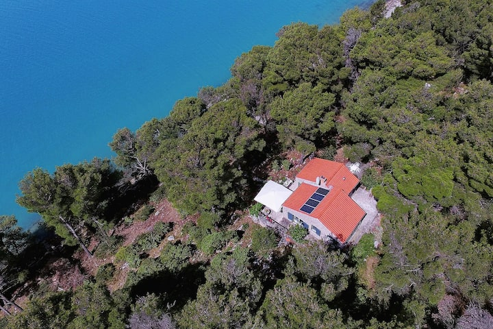 Beautiful stone house in Nature park Telascica