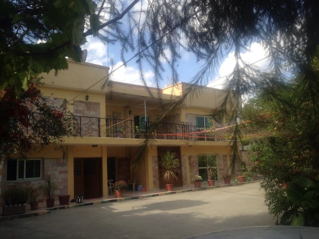 Cozy home away from home! - Addis Ababa  - Bed & Breakfast