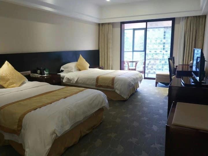 天露山庄-温泉500米处民宿(可住2位,此房间一共有10间)温泉离我500米
