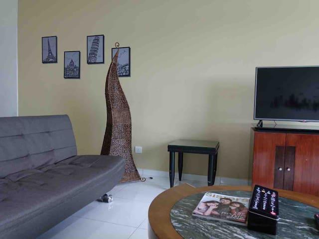 SkyLoft @ Bukit Indah Cozy 1+1 BR Aeon Tesco