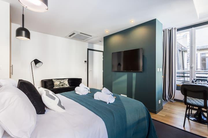 Luxueux appartement-2P- Champs Elysées