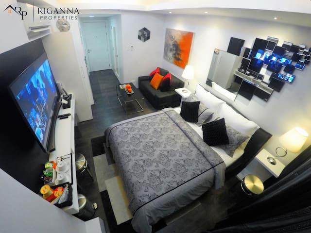 28sqm (300sqf) fully furnished studio unit.
