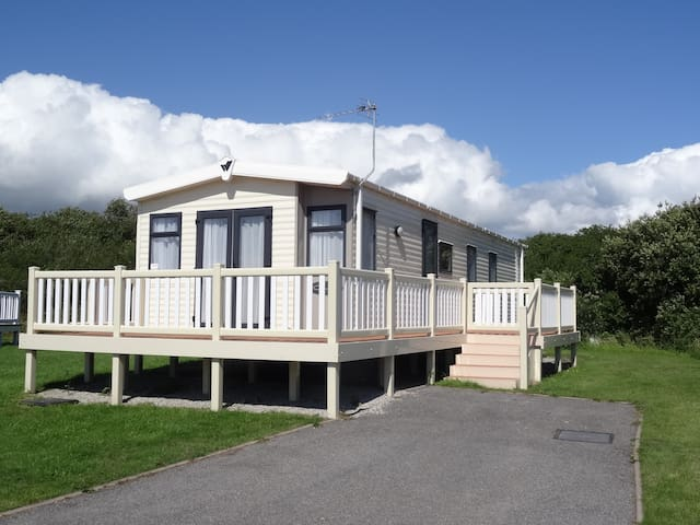 Stunning caravan, Mullion Holiday Park