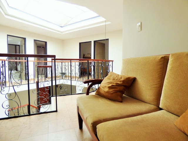 Amazing house in City Center (7 to 9 guests)