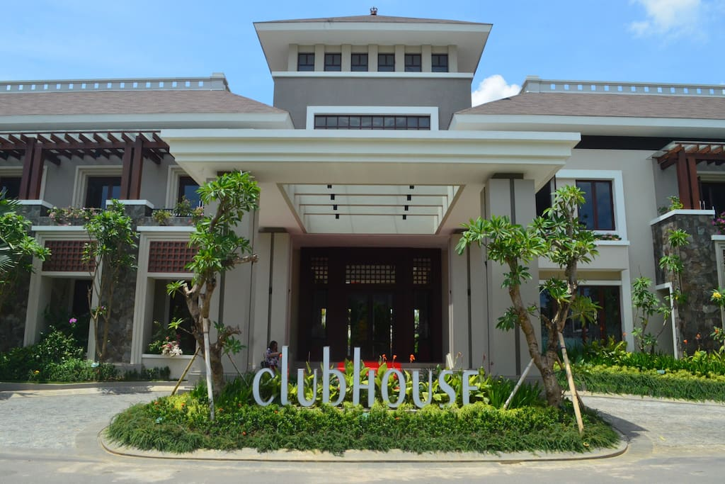 Clubhouse (Free Access)