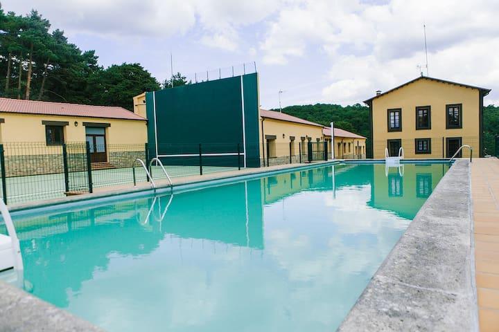 """Centro Rio Lobos"" Apartamento B - Hontoria del Pinar - House"