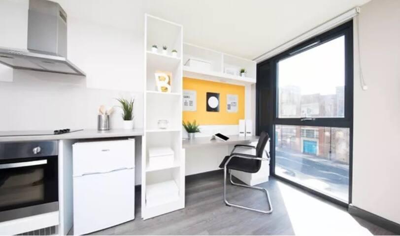 studio 学生公寓
