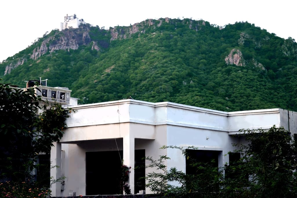 Monsoon Palace(Sajjan garh) at the background.