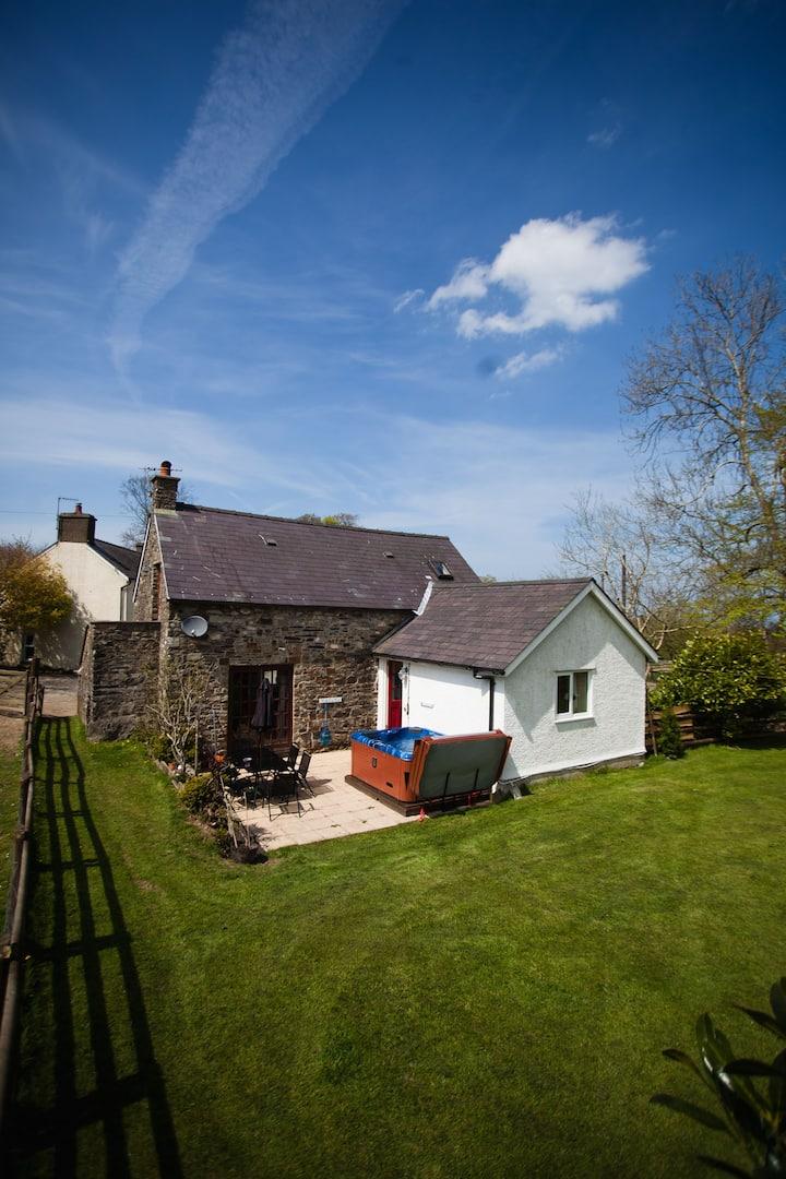 Glyncoch isaf cottage.