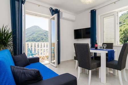 Sweet Blue Escape 1BR APT With Sea View - Sobra