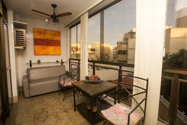 Belíssimo apartamento na Barra da Tijuca - ER204.20