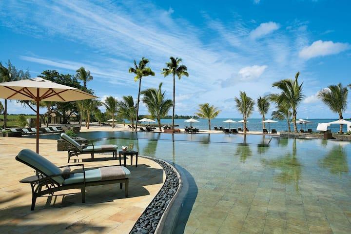 Stunning 2 Bed Oceanview-Luxury 5 Star Anahita