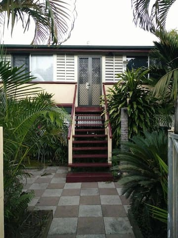 Majestic 2 Timber Queenslander - Parramatta Park - Talo