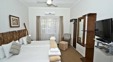 Bush Pillow Room 2 Otjiwarongo