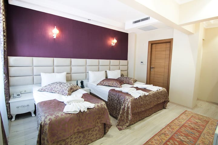 Cozy and large room in city center, Sultanahmet