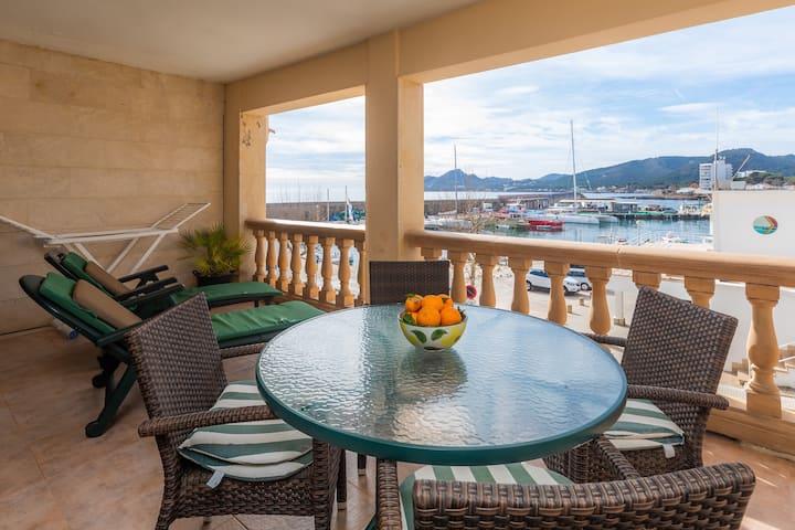 Ferienwohnung Maritim mit Meerblick, Bergblick, WLAN und Terrasse; Straßenparkplätze vorhanden