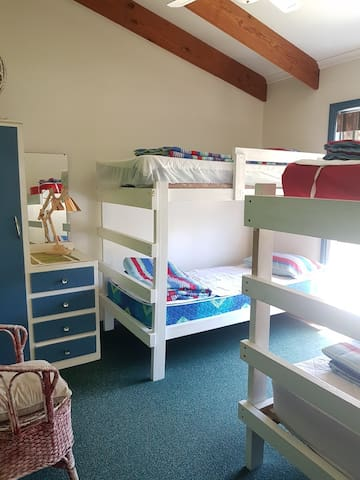 Bedroom 3 with bunkbeds