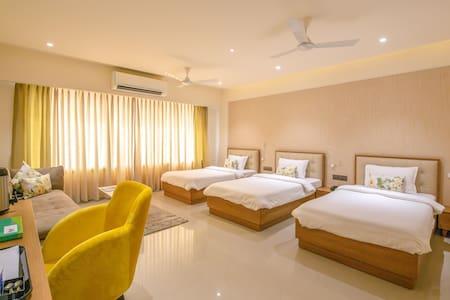 Deluxe rooms with free Wifi @ Adalaj Gandhinagar