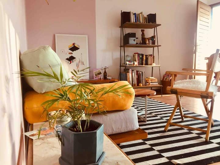 Bright & cozy floor next to Rio de la Plata