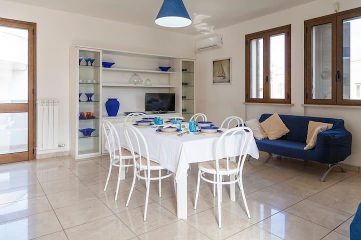 Appartamento con 3 camere 2 bagni