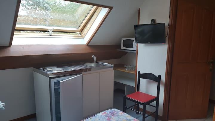 Petit Studio proche Arbois/Besançon et Salins